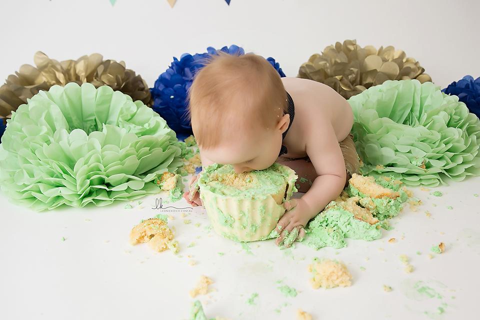 Leo Tamworth Cake Smash Photographer